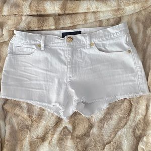 White denim Juicy shorts